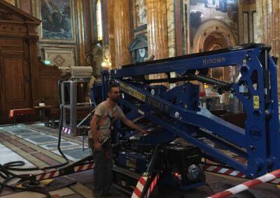 ragno per pulizia chiesa